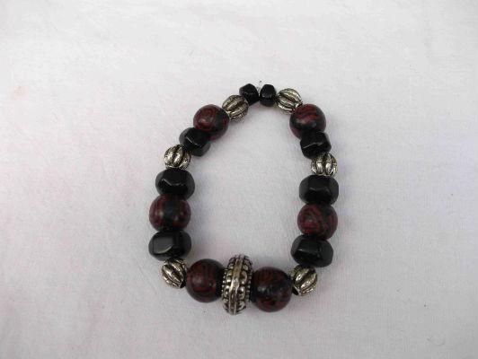 Bracelet pâte fimo et perles en metal