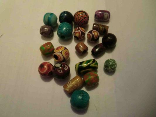 Perles à dreads atebas en pâte fimo